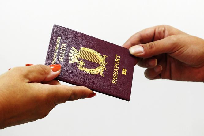 Passport hands