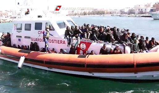 guardia-costiera-immigrants