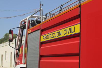 3 karozzi Nar Ħal Qormi Protezzjoni Ċivili