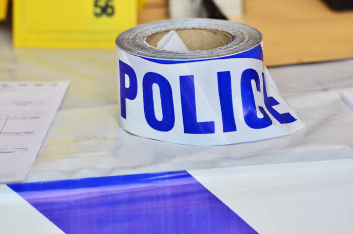 tape_pulizija_ristrett_police