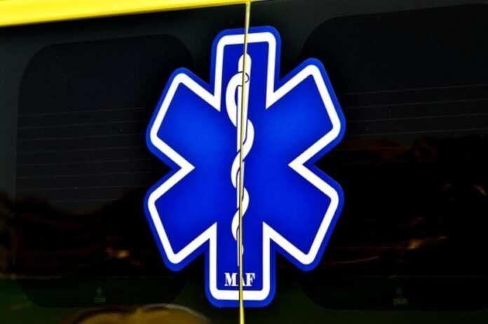Karozza tinqaleb ajruport Arma ambulanza