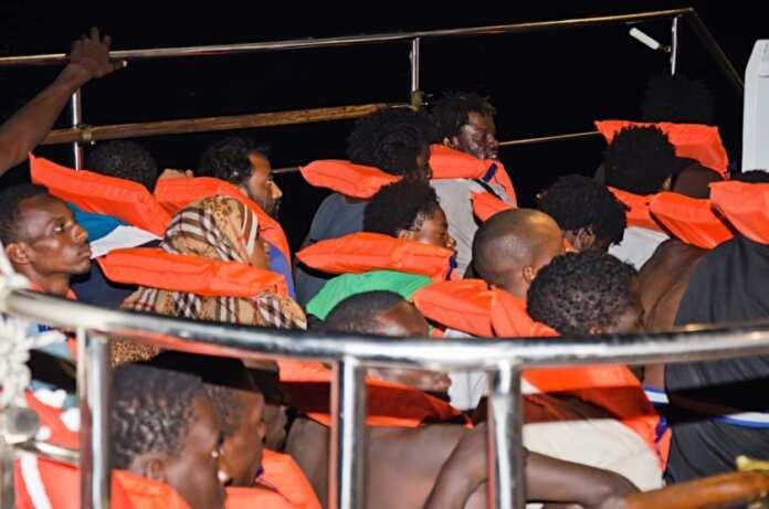 Immigranti jirrifjutaw għajnuna Malta dgħajsa