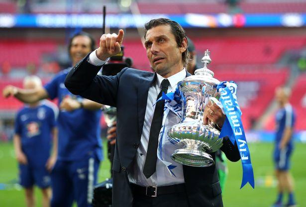 Antonio Conte - Premier League trophy
