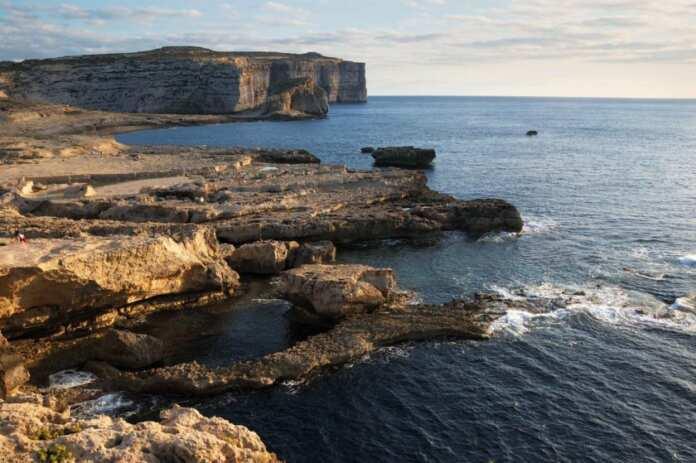 Aġġornata raġel jegħreq Dwejra
