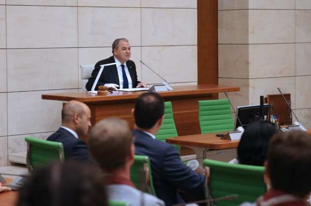 Speaker Anġlu Farrugia addresses scout members within Europe. Photo taken at the Parliament building, in Valletta.