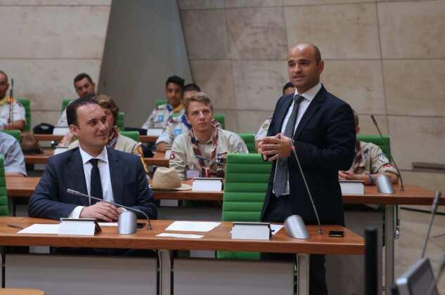 Speaker Anġlu Farrugia addresses scout members within Europe- Parliament building, Valletta-17-8-2018