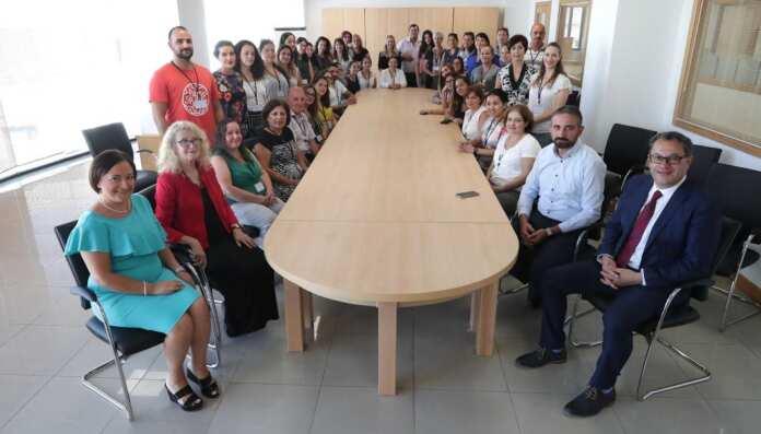 50 professjonist jitħarrġu dimensja