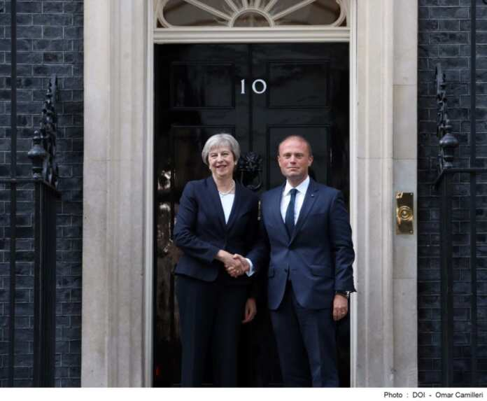 Theresa May Joseph Muscat Londra