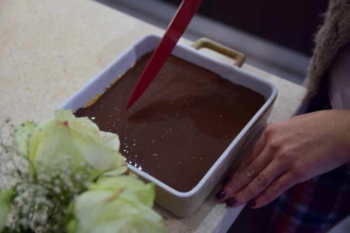 No Bake Chocolate Oat Bars | Newsbook Recipes
