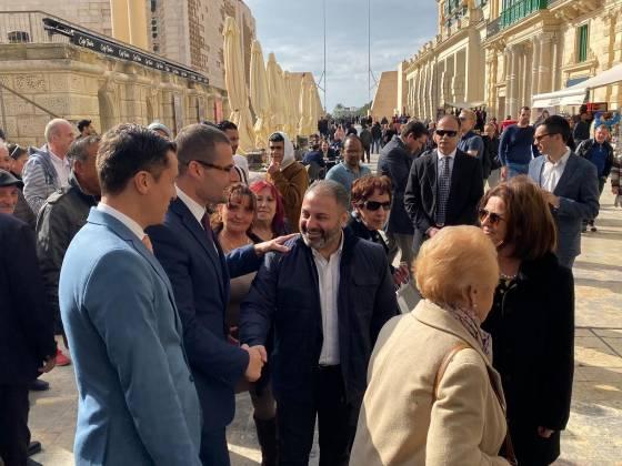Robert Abela jżur il-ħwienet fil-Belt Valletta