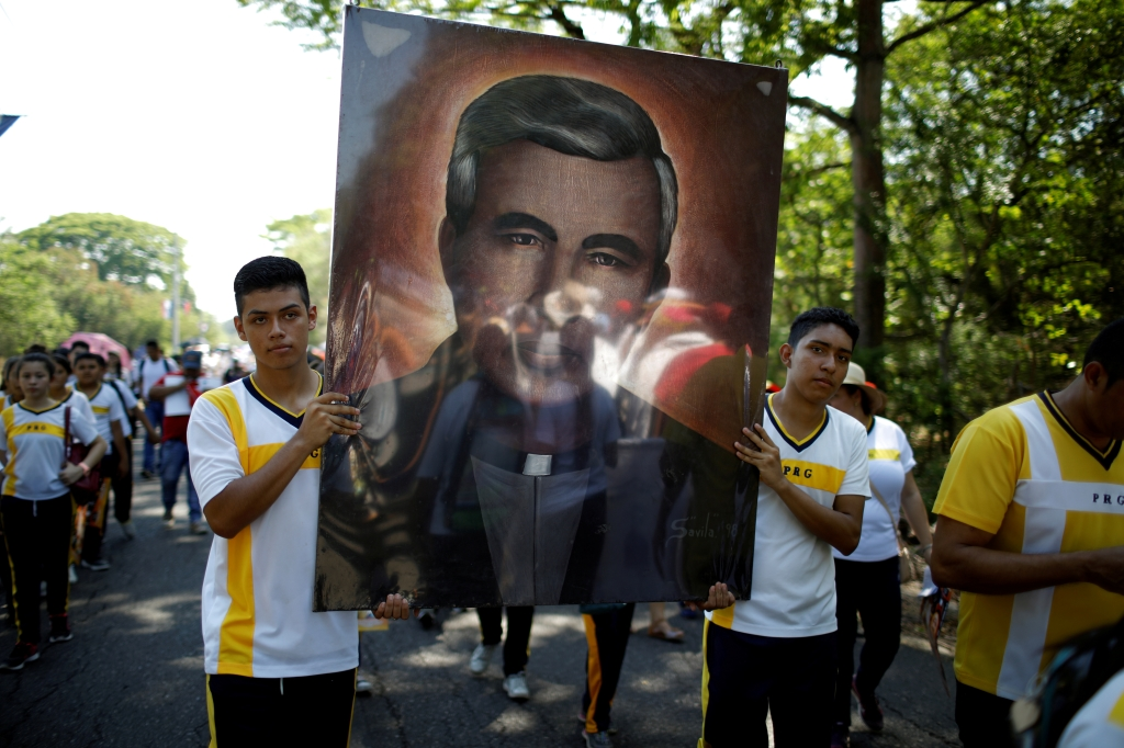 Pope moves slain Salvadoran priest, icon for poor, closer to sainthood - Newsbook