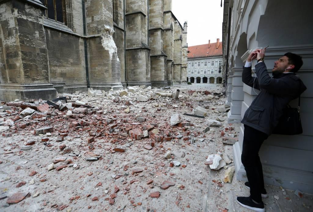 Quake Strikes North Zagreb Damages Buildings Newsbook