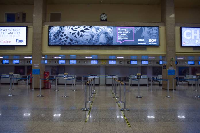 airport-MIA-empty-no-people-coronavirus-covid-19