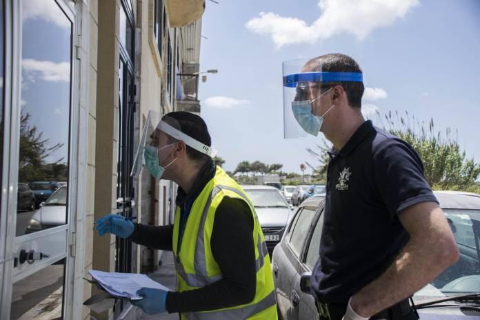 police-health-authorities-inspections-quarantine-coronavirus-25