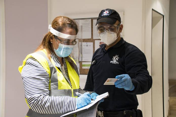 police-health-authorities-inspections-quarantine-coronavirus-25
