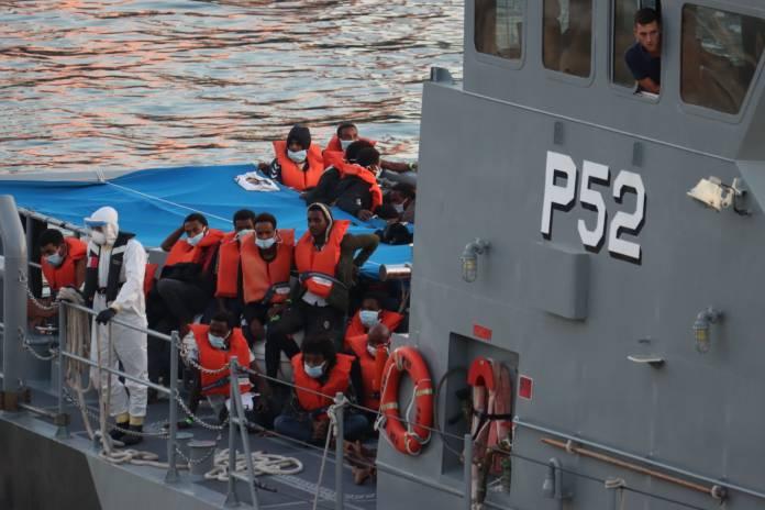 migrants-disembarkation