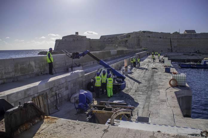 Ricasoli-breakwater-construction