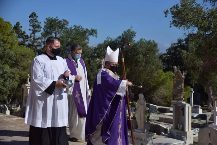 Archbishop-Charles-J-Scicluna-Mass-Addolorata-cemetery