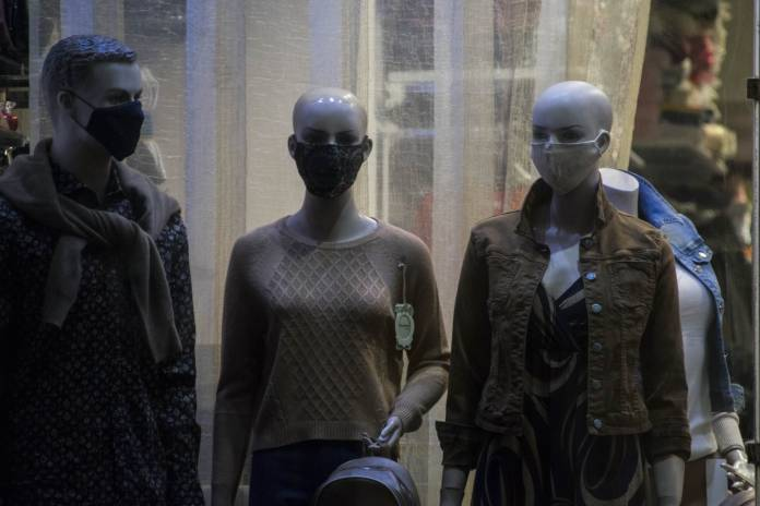 mannequins-wearing-masks-coronavirus-birkirkara-2