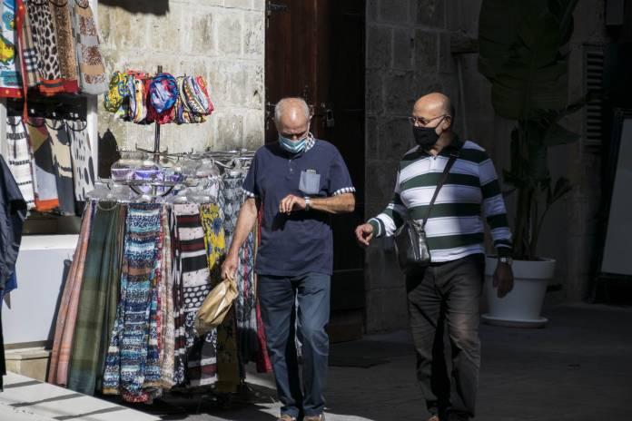 people-wearing-masks-valletta-coronavirus