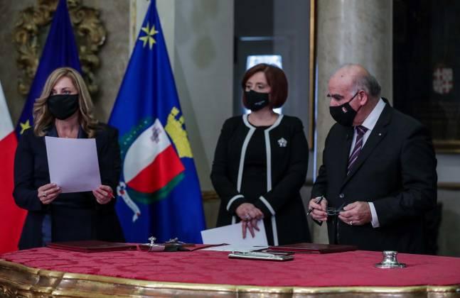 Ministru Justyne Caruana ġurament tal-ħatra