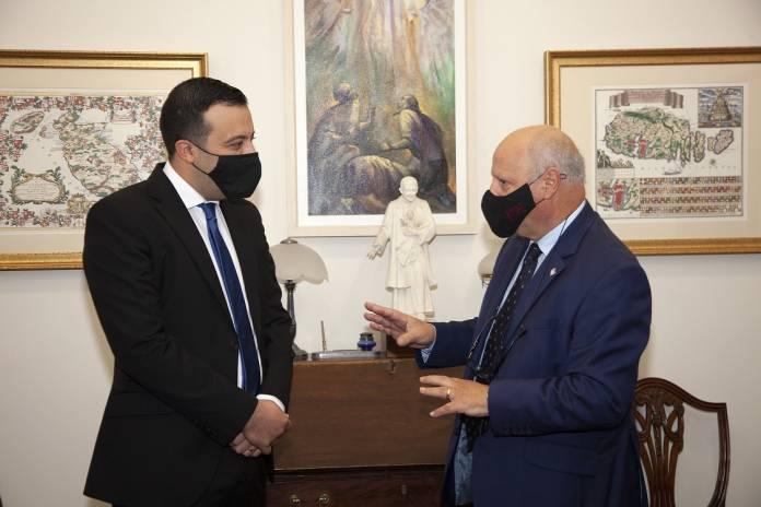 Ministru għal għawdex + Rettur Università ta' Malta