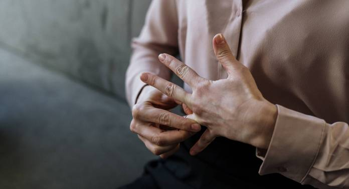 divorce removing of wedding ring