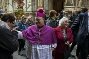 Archbishop-Charles-J-Scicluna-greeted-by-people-at-St-Paul-feast