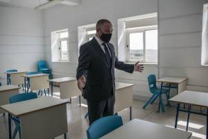 Owen-Bonnici-showing-distance-between-desks-in-class-before-first-school-opening-during-pandemic