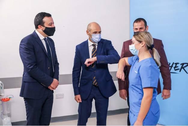 l-ewwel vaċċin Għawdex infermiera covid19