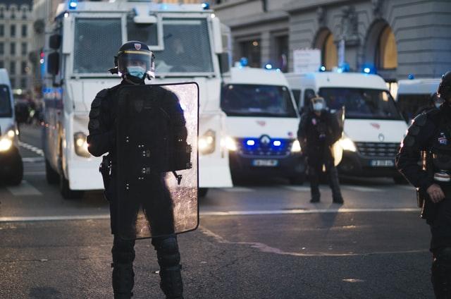 Protesti, Riots, Protests