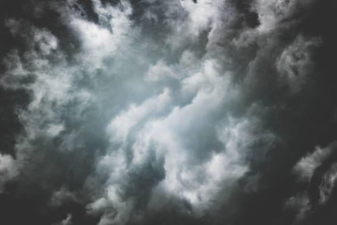 dark-clouds-pexels-oleg-magni-1077536