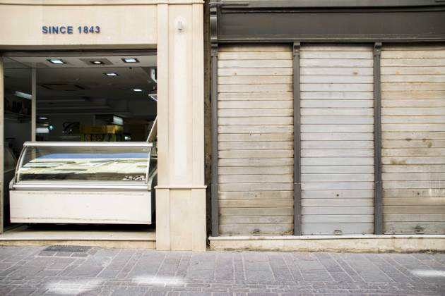 Closed-shops-in-Valletta-after-coronavirus-measures