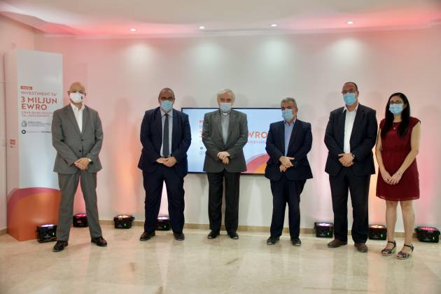 Michael-Falzon-financial-agreement-with-Caritas-at-Tal-Ibraw-Therapeutic-Centre