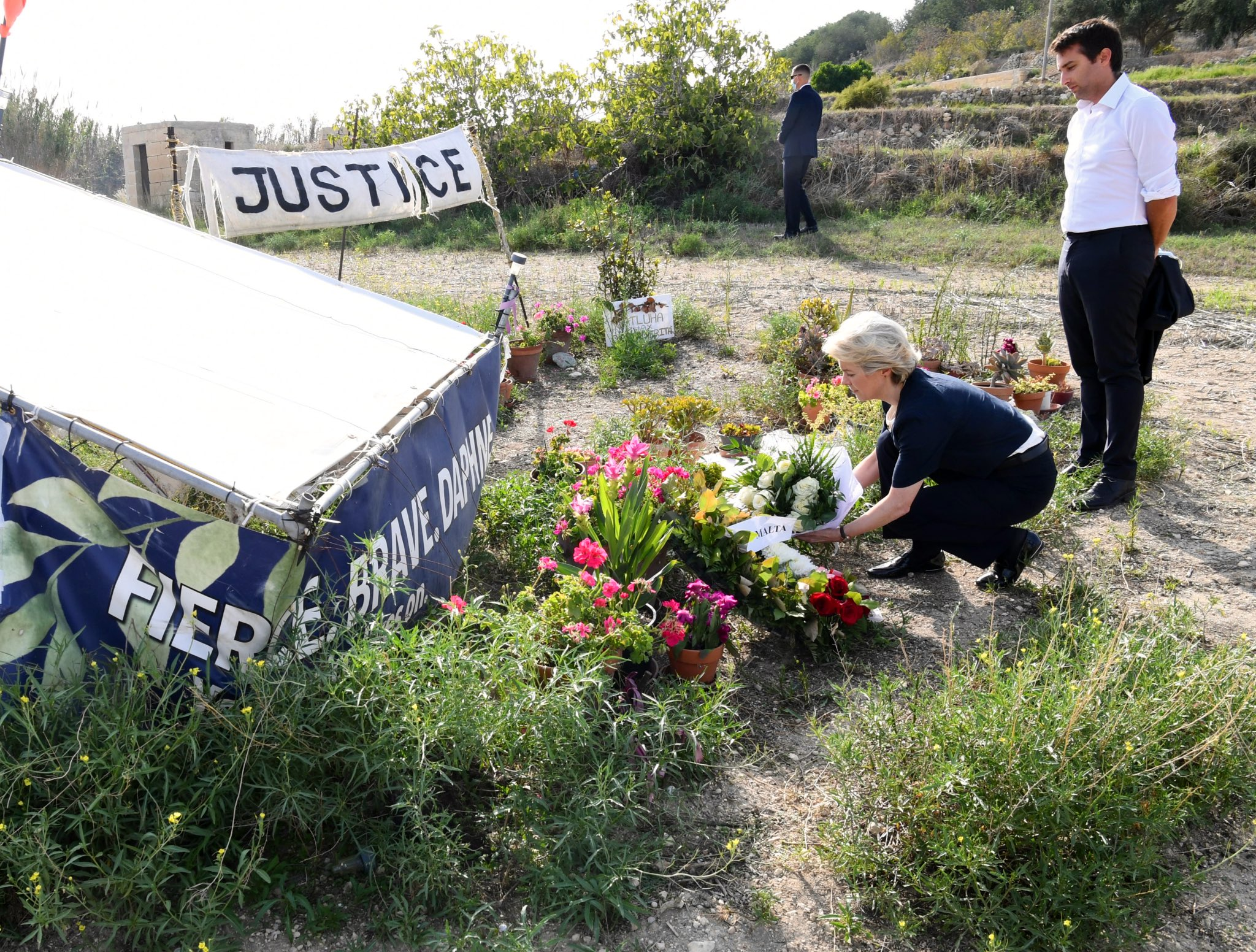 Von der Leyen visits Caruana Galizia murder site